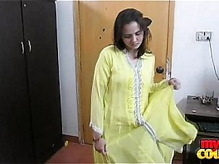 Indian amateur girl strips