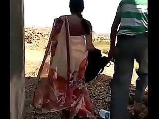 Desi mallu aunty open-air sex