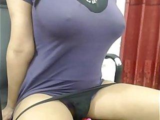 Desi Bhabi Fingers Yourself on live cam