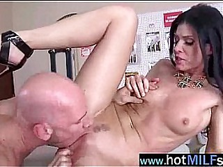 Superb Hot Milf (india summer) Act Like Star In Hardcore Sex Tape mov-16